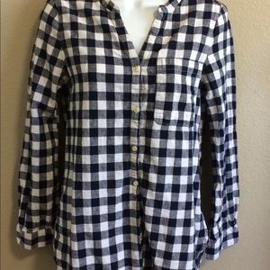 Long sleeve tunic. Blue and white.